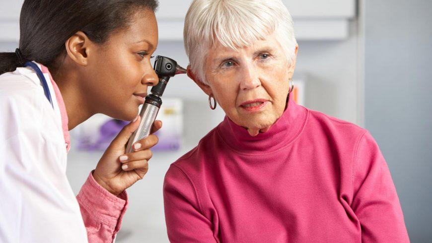 Perda de audição na velhice: por que ela ocorre?