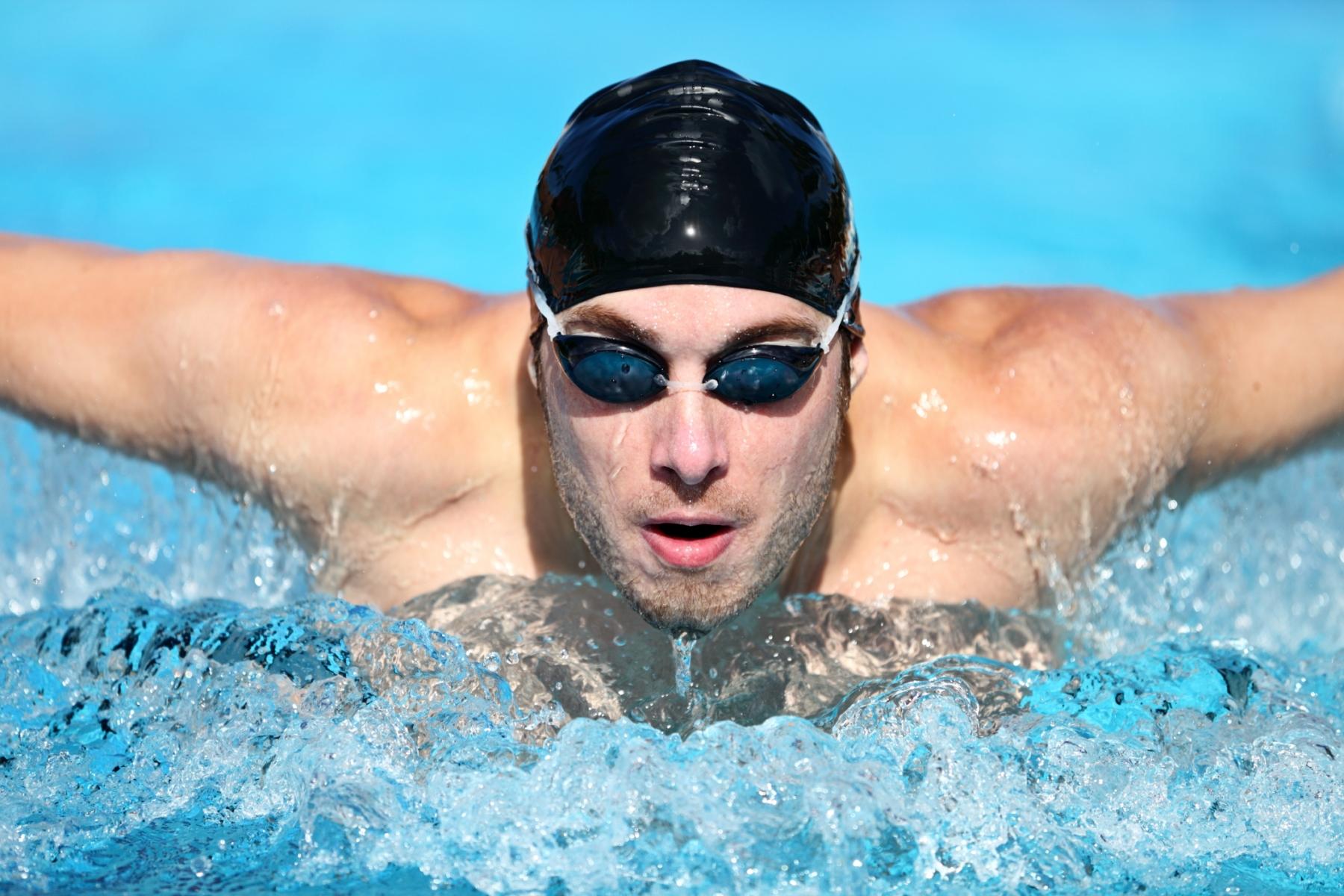 A importância do uso de óculos na prática de esportes