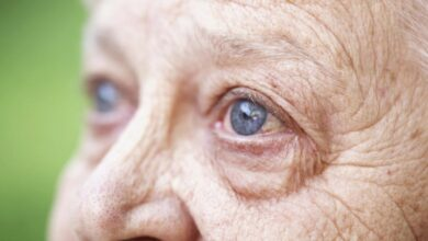 A produção de lágrima diminui na terceira idade. Você sabia?