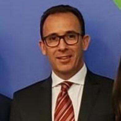 Dr. Christiano de Giacomo Carneiro <br> CRM 90.300 <br> RQE 65597